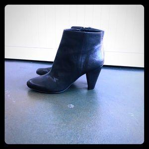 Black ankle heel boots